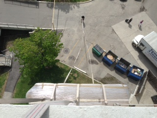 Hoisting-Sofa-10-stories-looking-down