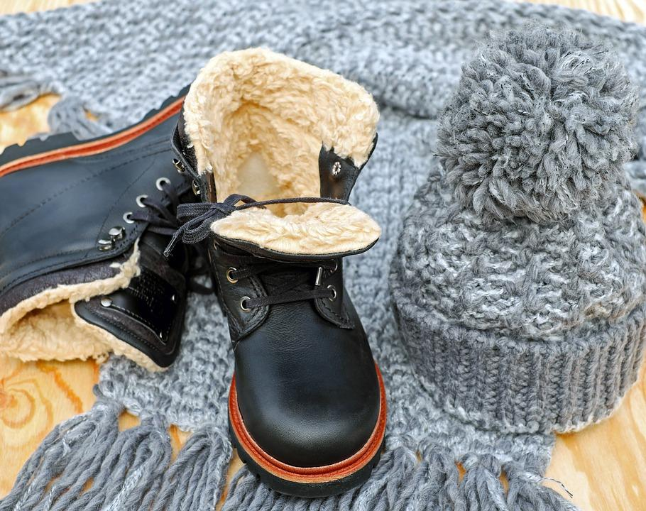 How to pack bulky winter clothes?